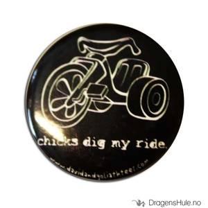 Bilde av Button 37mm: Chicks dig my ride